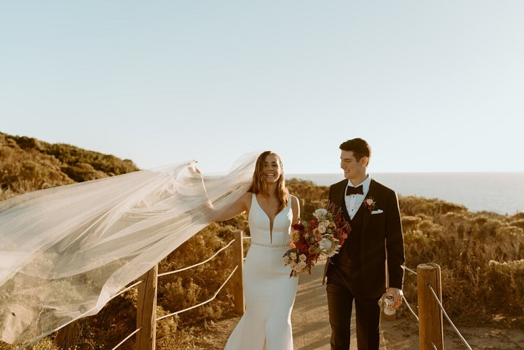 nicole44-jamie-carrie-rogers-photography-malibu-intimate-beach-elopement-california-destination-wedding-coast-ceremony-airbnb