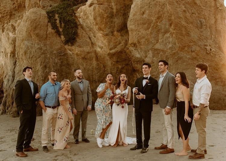 nicole46-jamie-carrie-rogers-photography-malibu-intimate-beach-elopement-california-destination-wedding-outdoor-coast-airbnb