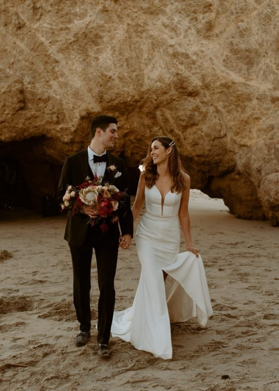 nicole59-jamie-carrie-rogers-photography-malibu-intimate-beach-elopement-california-destination-wedding-outdoor-coast-ceremony