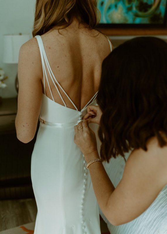 nicole7-jamie-carrie-rogers-photography-malibu-intimate-beach-elopement-california-destination-wedding-outdoor-coast-ceremony-makeup