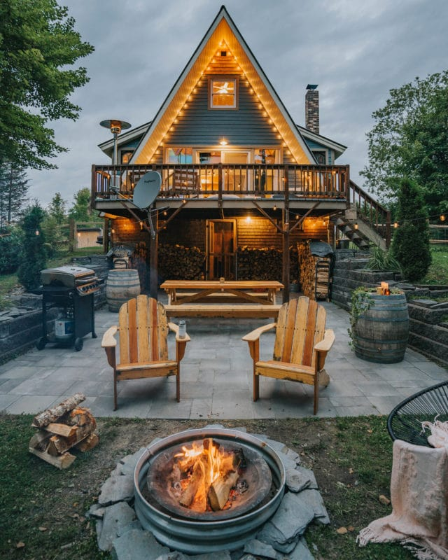 kingdom-a-frame-vermont-winter-snow-elopement-lodge-cabin-airbnb-wedding-micro-elope-usa