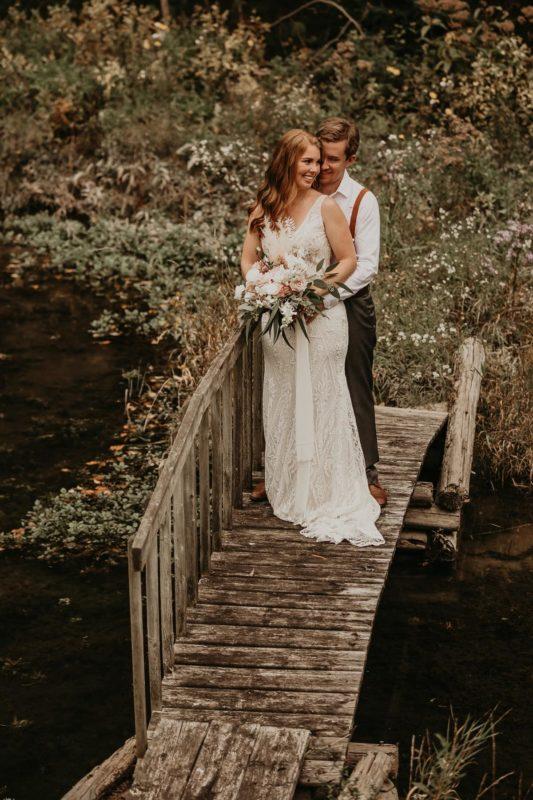sarah-martin-photo-autumn-elopement-inspiration-boho-outdoor-destination-wedding-elope-micro12