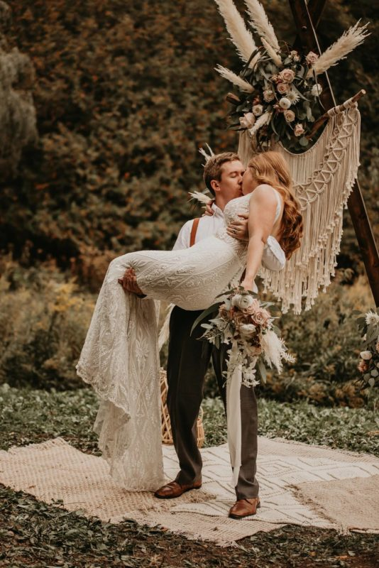 sarah-martin-photo-autumn-elopement-inspiration-boho-outdoor-destination-wedding-elope-micro16