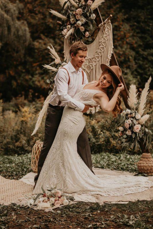 sarah-martin-photo-autumn-elopement-inspiration-boho-outdoor-destination-wedding-elope-micro18
