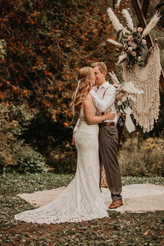 sarah-martin-photo-autumn-elopement-inspiration-boho-outdoor-destination-wedding-elope-micro19