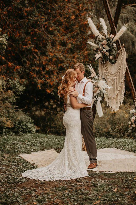 sarah-martin-photo-autumn-elopement-inspiration-boho-outdoor-destination-wedding-elope-micro20