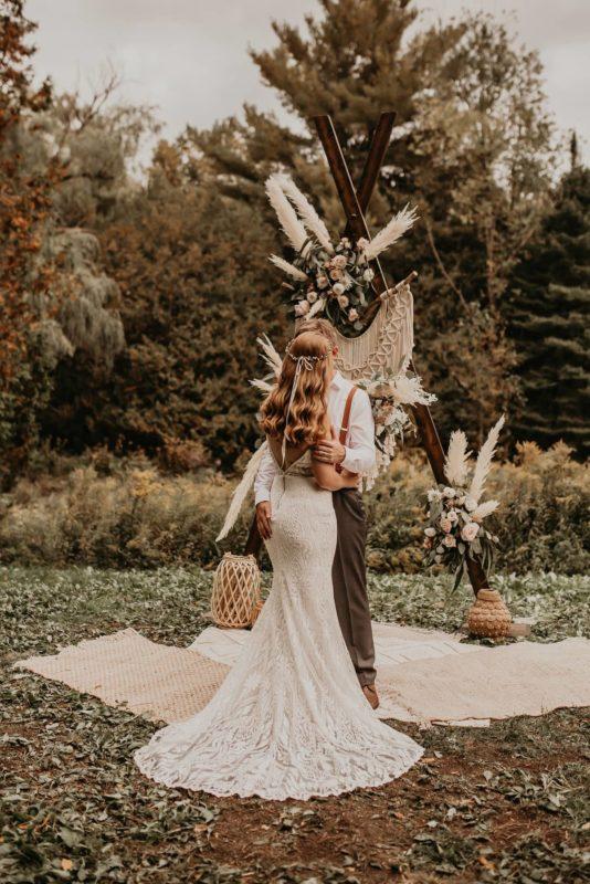 a-frame-canada-sarah-martin-photo-autumn-fall-elopement-inspiration-boho-outdoor-destination-wedding-elope-micro53