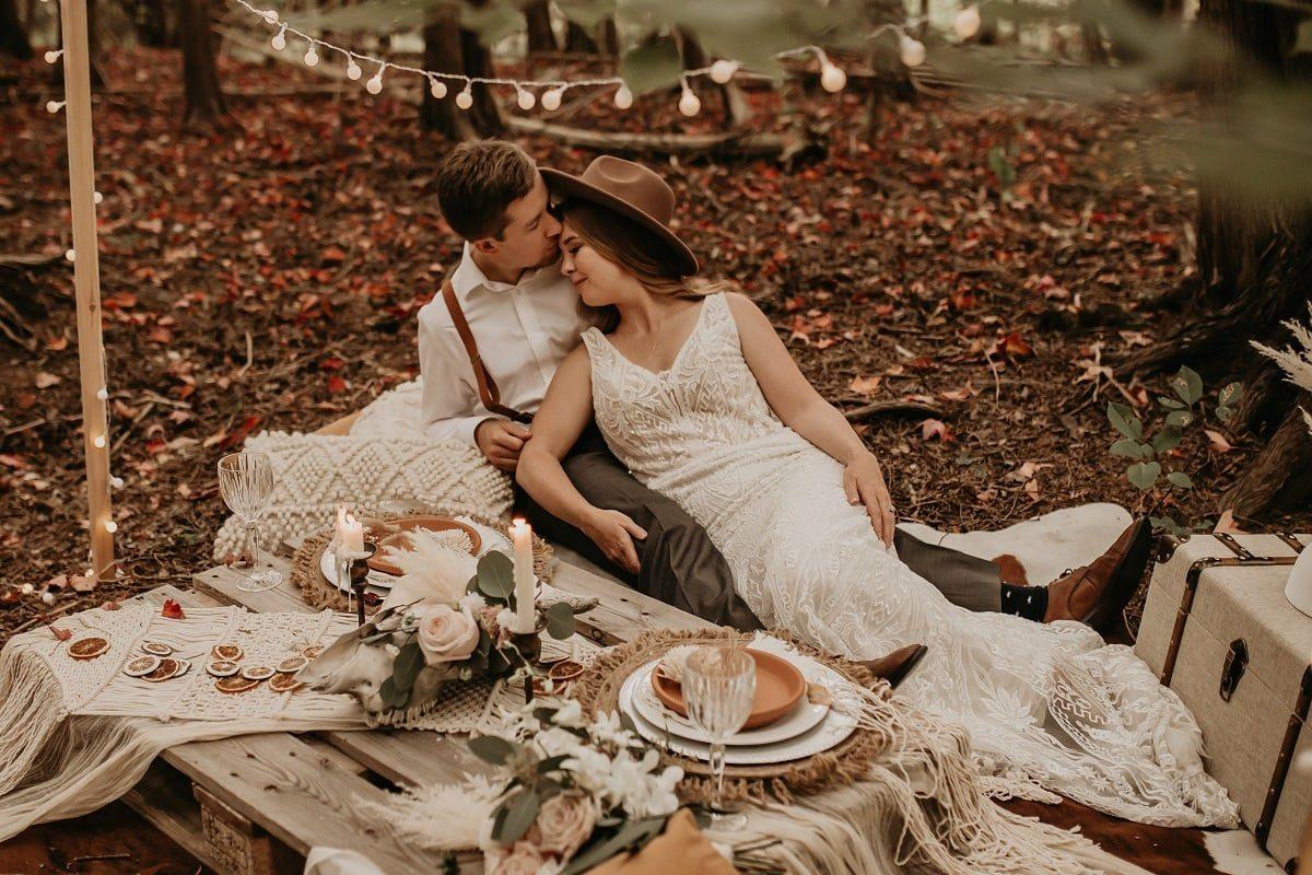 romantic-picnic-forest-candlelight-sarah-martin-photo-autumn-elopement-inspiration-boho-outdoor-destination-wedding-elope-micro59