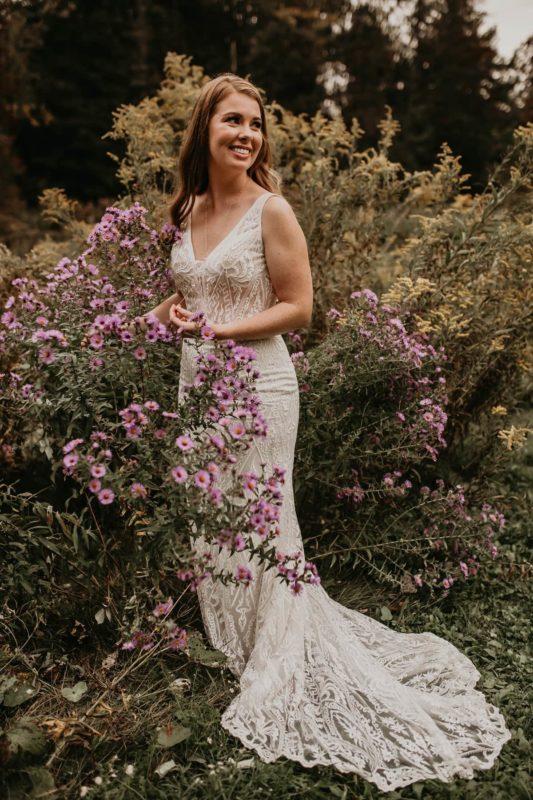 dress-garden-foliage-sarah-martin-photo-autumn-fall-elopement-inspiration-boho-outdoor-destination-wedding-elope-micro64