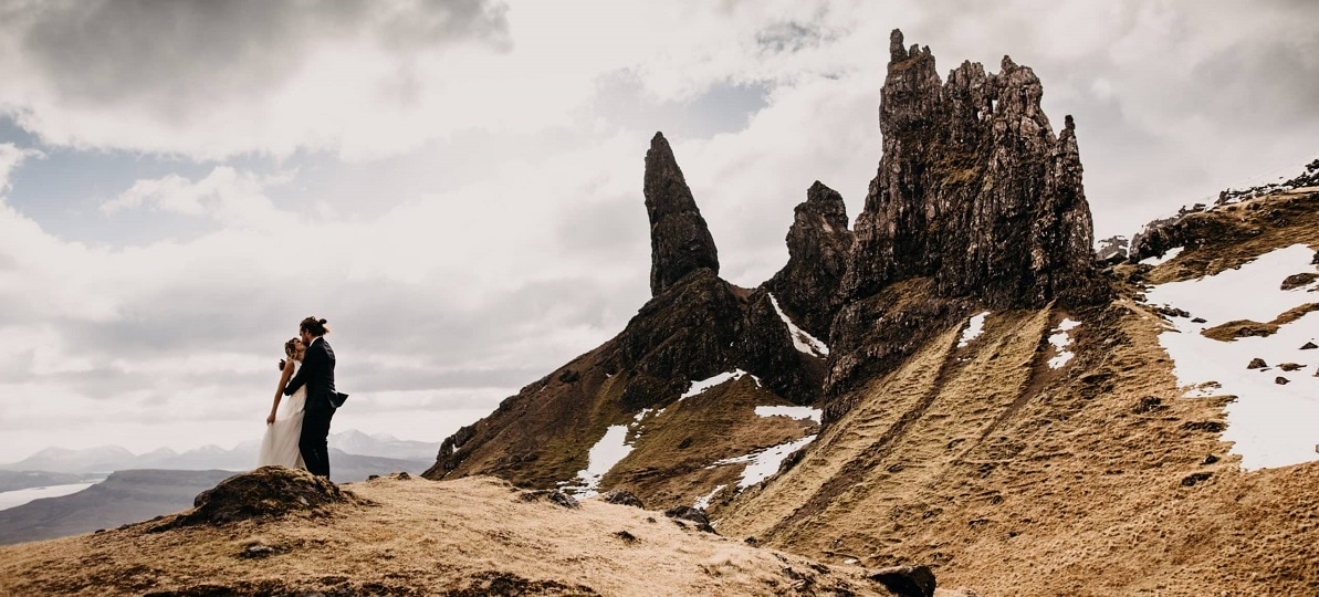 scotland-elopement-destination-wedding-small-intimate-ceremony-elope-adventure-outdoor-highlands-glen-coe-skye-love