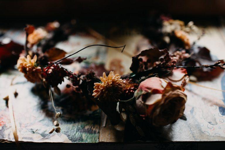 unfurl24-photography-glencoe-elopement-wedding-inspiration-outdoor-mountains-scottish-highlands-intimate-ceremony-elope-boho-flower-crown-bride