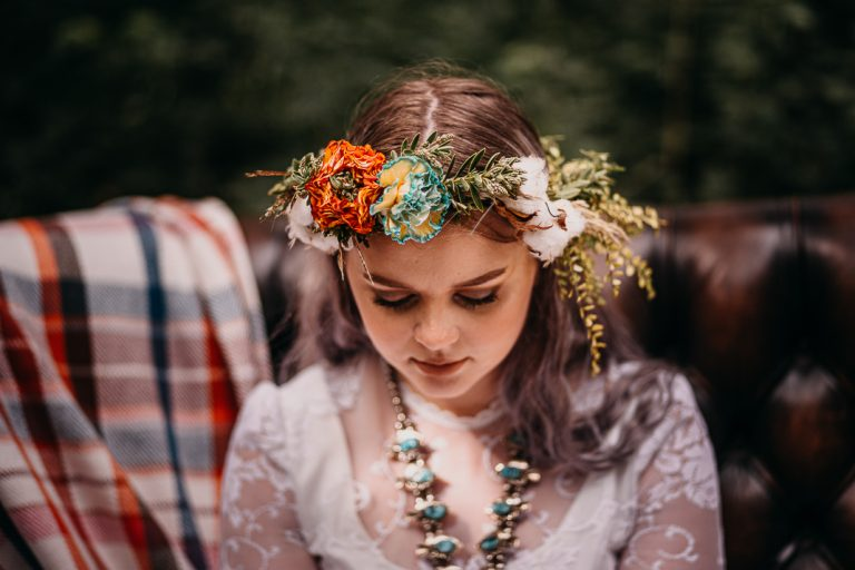 unfurl29-photography-woodland-elopement-wedding-inspiration-outdoor-enchanted-forest-intimate-ceremony-elope-boho-floral-crown-bride