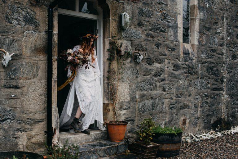 unfurl30-photography-glencoe-elopement-wedding-inspiration-outdoor-mountains-scottish-highlands-intimate-ceremony-elope-boho-bride-bouquet
