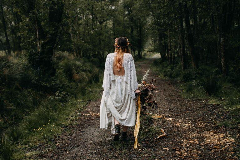 unfurl32-photography-glencoe-elopement-wedding-inspiration-outdoor-mountains-scottish-highlands-intimate-ceremony-elope-boho-boots-hike