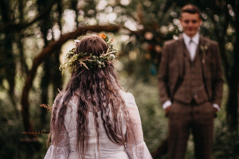 unfurl33-photography-woodland-elopement-wedding-inspiration-outdoor-enchanted-forest-intimate-ceremony-elope-boho-floral-first-look