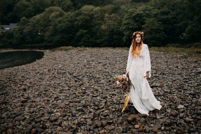 unfurl34-photography-glencoe-elopement-wedding-inspiration-outdoor-mountains-scottish-highlands-intimate-ceremony-elope-boho-bride-river