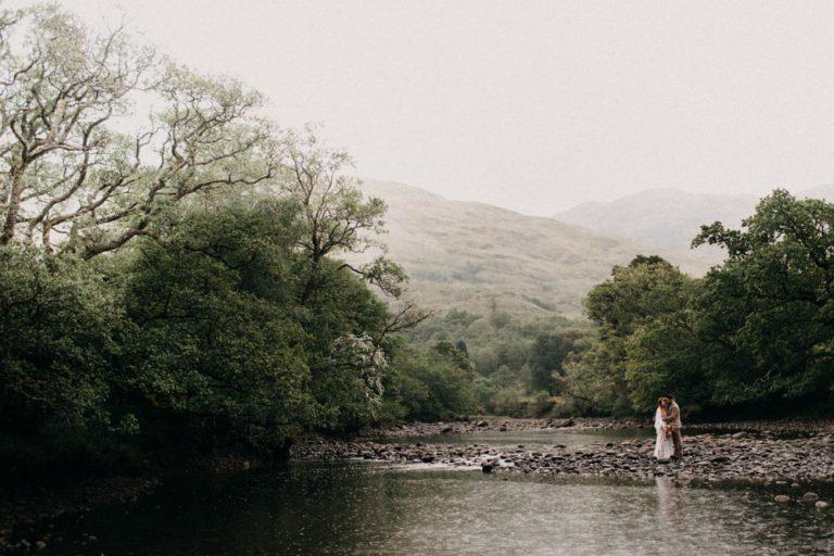 unfurl41-photography-glencoe-elopement-wedding-inspiration-outdoor-mountains-scottish-highlands-intimate-ceremony-elope-boho-river-glen