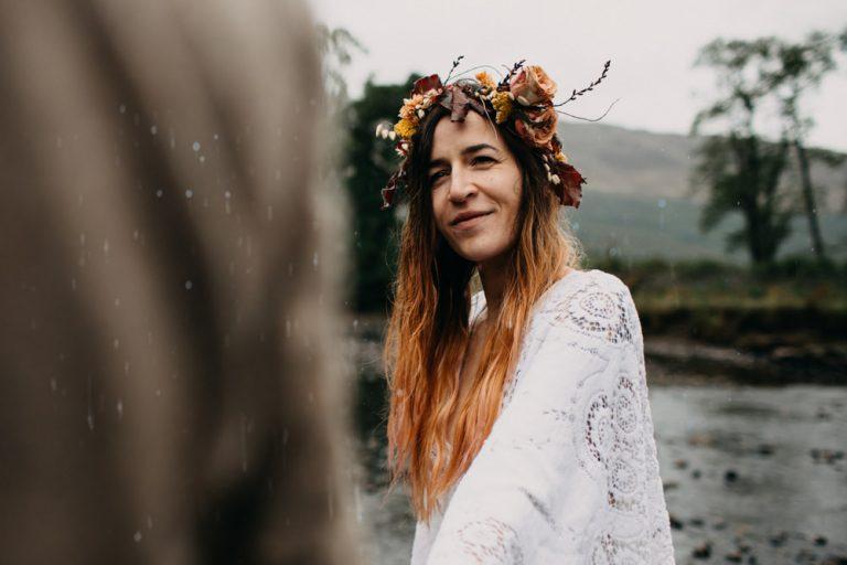 unfurl42-photography-glencoe-elopement-wedding-inspiration-outdoor-mountains-scottish-highlands-intimate-ceremony-elope-boho-hike