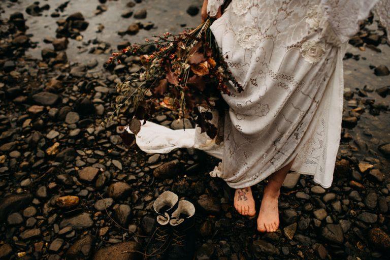 unfurl44-photography-glencoe-elopement-wedding-inspiration-outdoor-mountains-scottish-highlands-intimate-ceremony-elope-boho-bride
