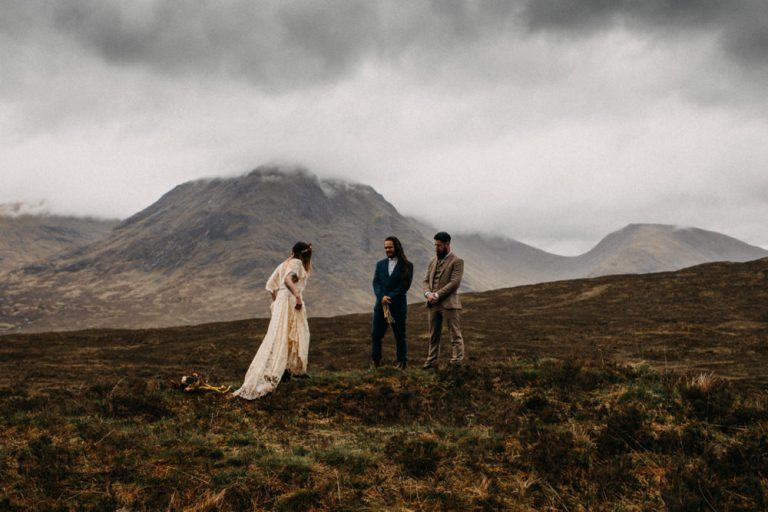 unfurl48-photography-glencoe-elopement-wedding-inspiration-outdoor-mountains-scottish-highlands-intimate-ceremony-elope-boho-officiant