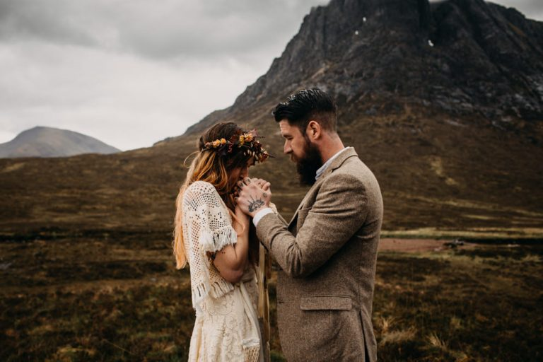 unfurl50-photography-glencoe-elopement-wedding-inspiration-outdoor-mountains-scottish-highlands-intimate-ceremony-elope-boho-just-married