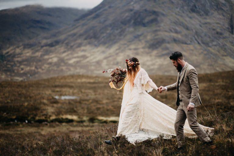 unfurl54-photography-glencoe-elopement-wedding-inspiration-outdoor-mountains-scottish-highlands-intimate-ceremony-elope-boho-hike