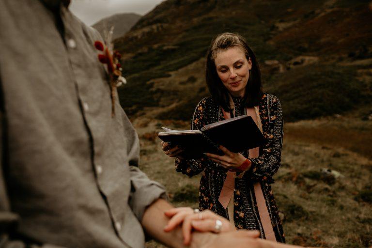 unfurl54-photography-lake-district-van-life-elopement-wedding-countryside-elope-boho-inspiration-hip-adventure-outdoor-england-officiant-vows-mountain
