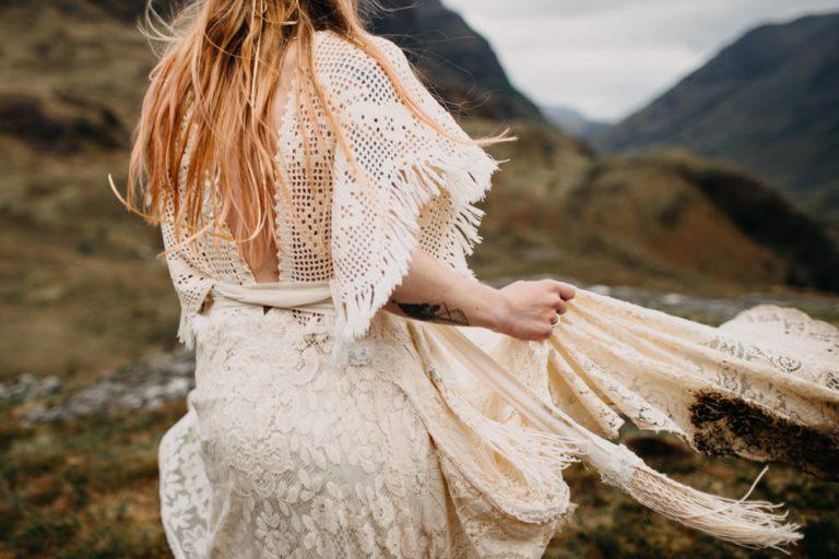 unfurl58-photography-glencoe-elopement-wedding-inspiration-outdoor-mountains-scottish-highlands-intimate-ceremony-elope-boho-bride-wind