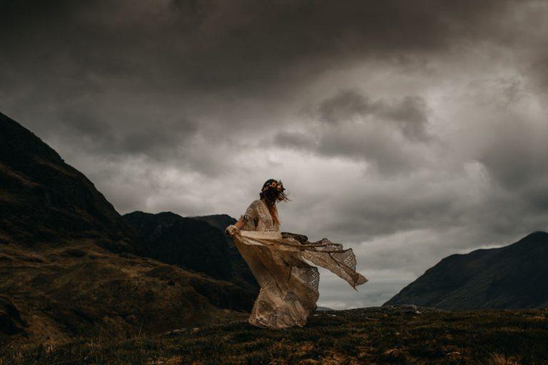 unfurl59-photography-glencoe-elopement-wedding-inspiration-outdoor-mountains-scottish-highlands-intimate-ceremony-elope-boho-moody-skies