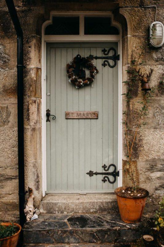 unfurl8-photography-glencoe-elopement-wedding-inspiration-outdoor-mountains-scottish-highlands-intimate-ceremony-elope-boho-doorway