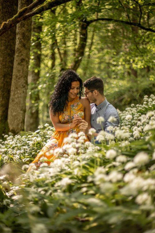 wild-embrace29-elopement-packages-destination-wedding-photographer-austria-elope-europe-wildflowers-spring-engagment-vorarlberg (Portrait)
