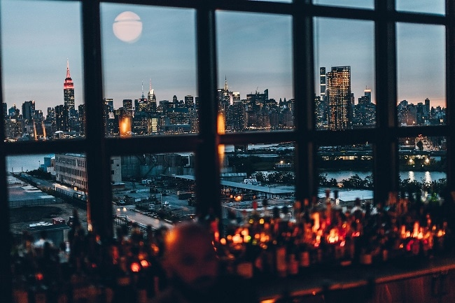 wythe-hotel-rooftop-bar-best-places-to-elope-in-new-york-elopement-destination-wedding-big-apple-intimate-ceremony-small-outdoor-1