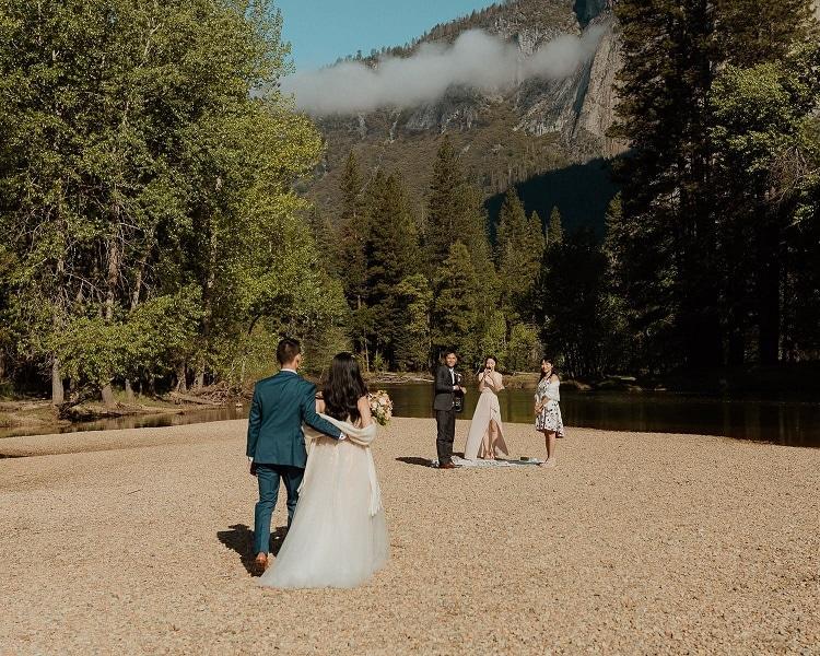 yosemite-adventure-elopement-destination-wedding-more-van-anything-intimate-ceremony-el-capitan-cathedral-beach