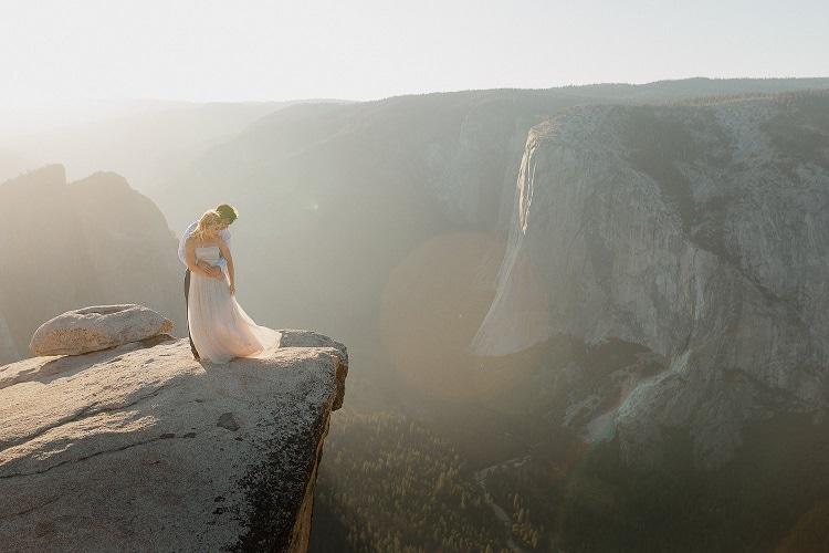 yosemite-valley-adventure-elopement-destination-wedding-bride-groom-taft-point-sunset-intimate-ceremony-mountain-cliff-love-national-park