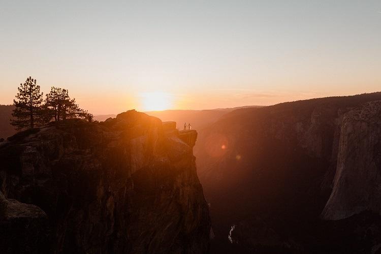 yosemite-valley-adventure-elopement-destination-wedding-bride-groom-taft-point-sunset-intimate-ceremony-mountain-cliff-love