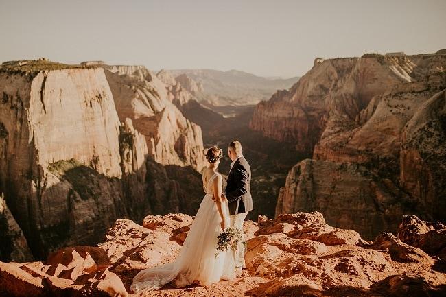 zion-national-park-utah-elopement-allison-slater-photography-destination-wedding-packages-elope-usa-red-rock-ceremony